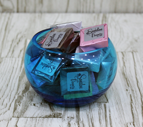 Mixed Chocolates in blue, red and green. Contains 30 pcs.